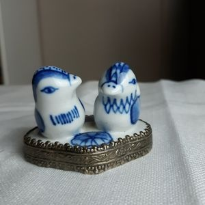 Vtg ceramic blue and white birds…